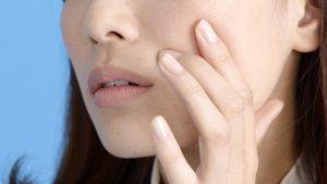 ニキビ肌で悩む方にも効果的!オイル美容の美肌効果